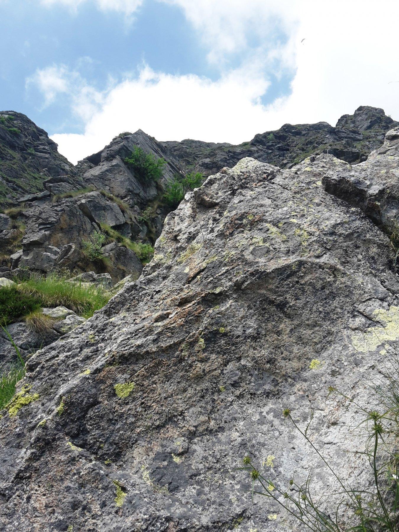 gli speroni di roccia superiori, dal primo tiro