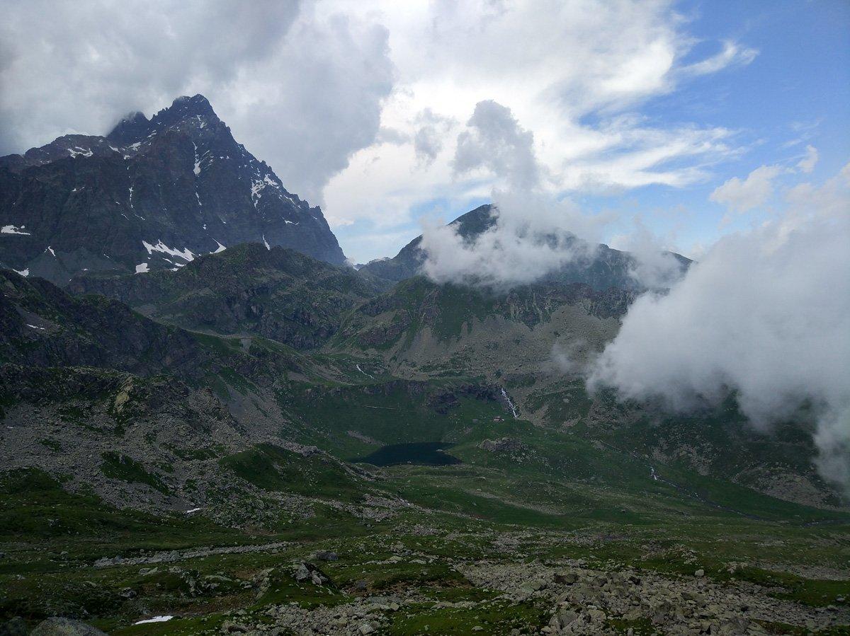 Vista da punta Murel verso il rifugio Alpetto e il Monviso