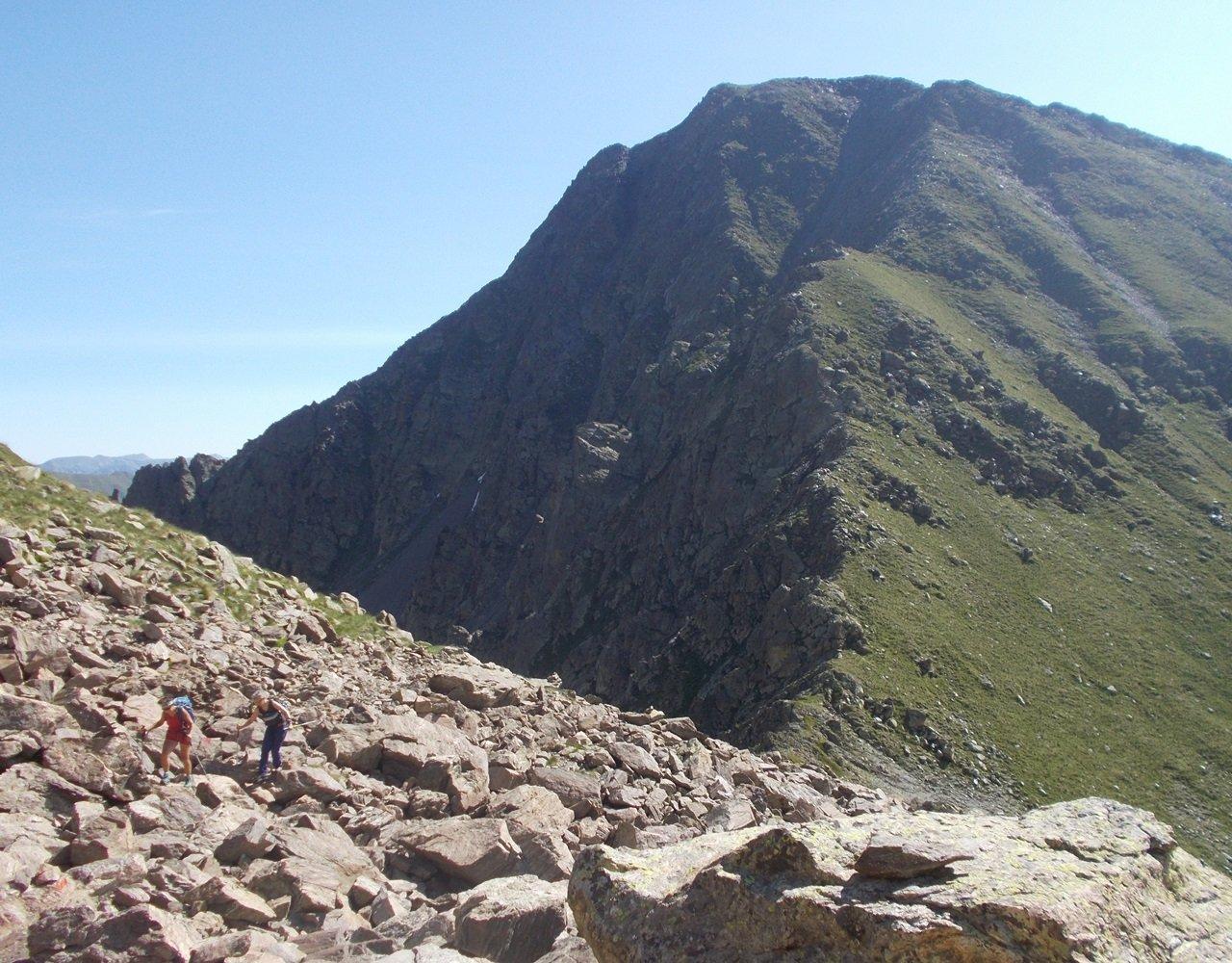 il Monte Saletta dalla pietraia ,sul sentiero per il Laroussa