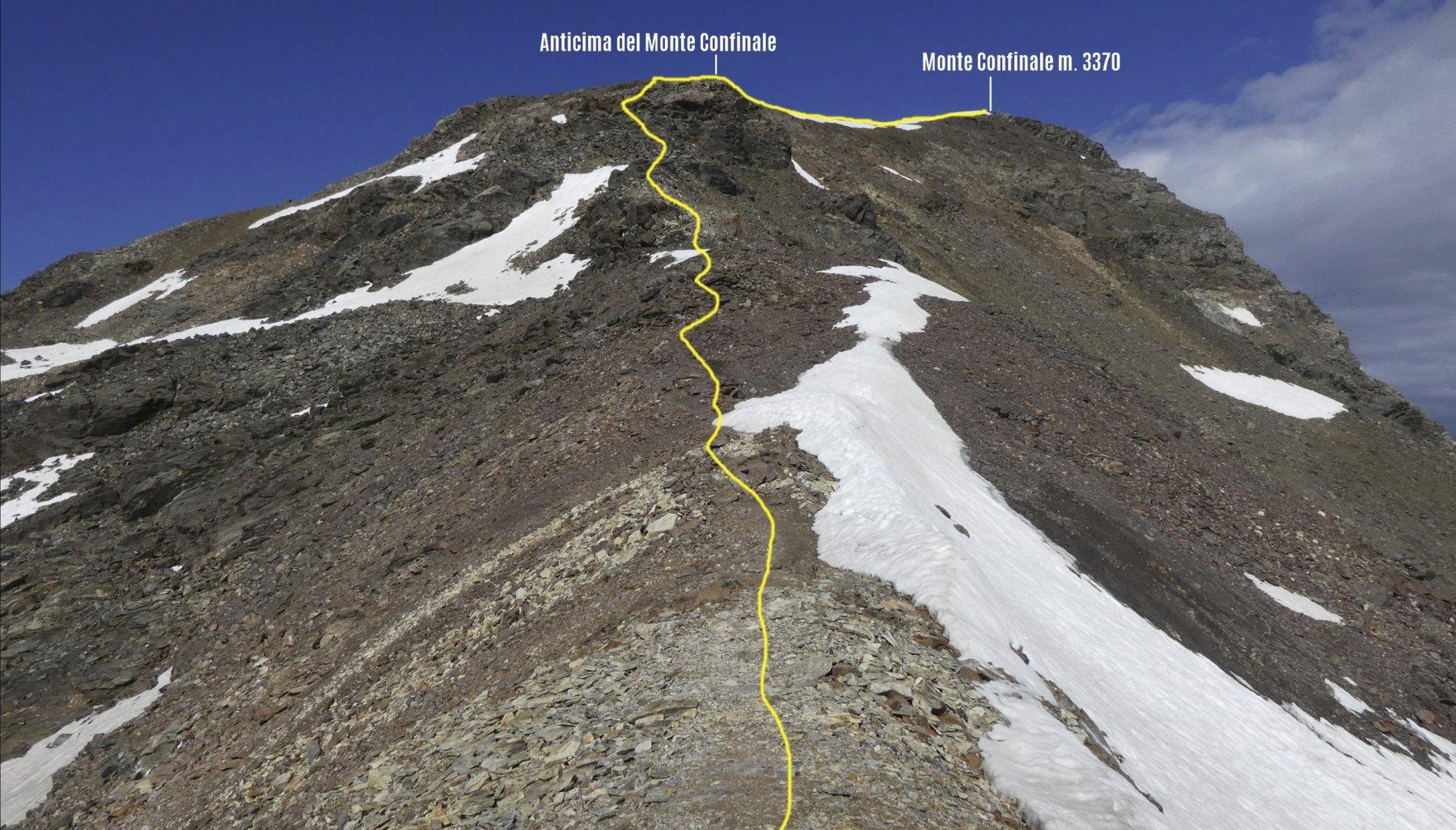 la cresta SE che si deve risalire osservata dal Bivacco del Piero
