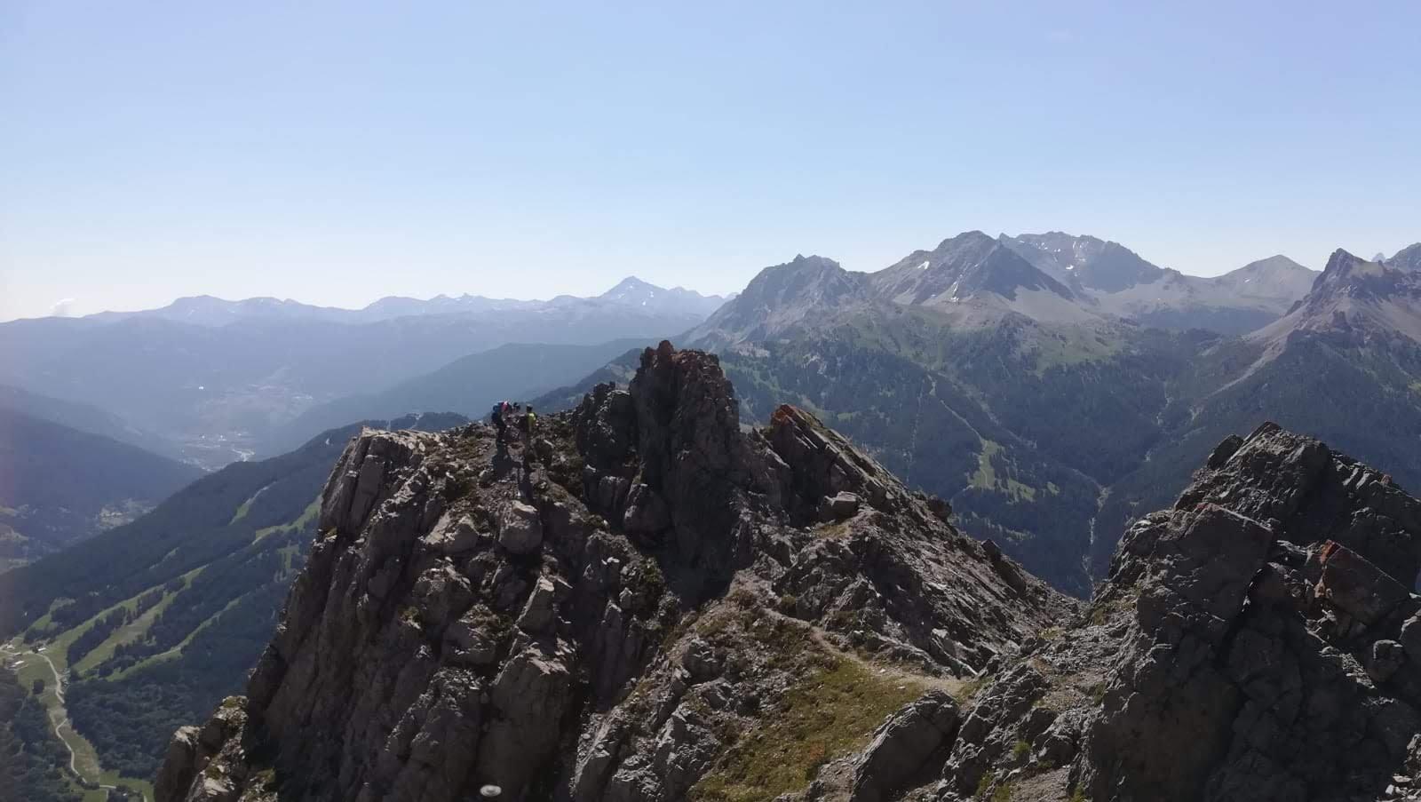 la parte iniziale del sentiero in cresta dove è più esposto