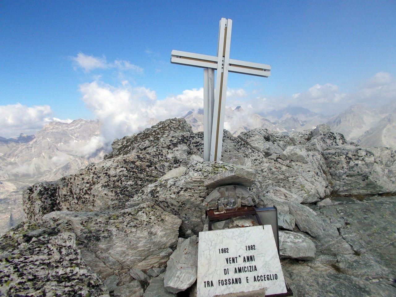 Monte Cervet .croce di vetta