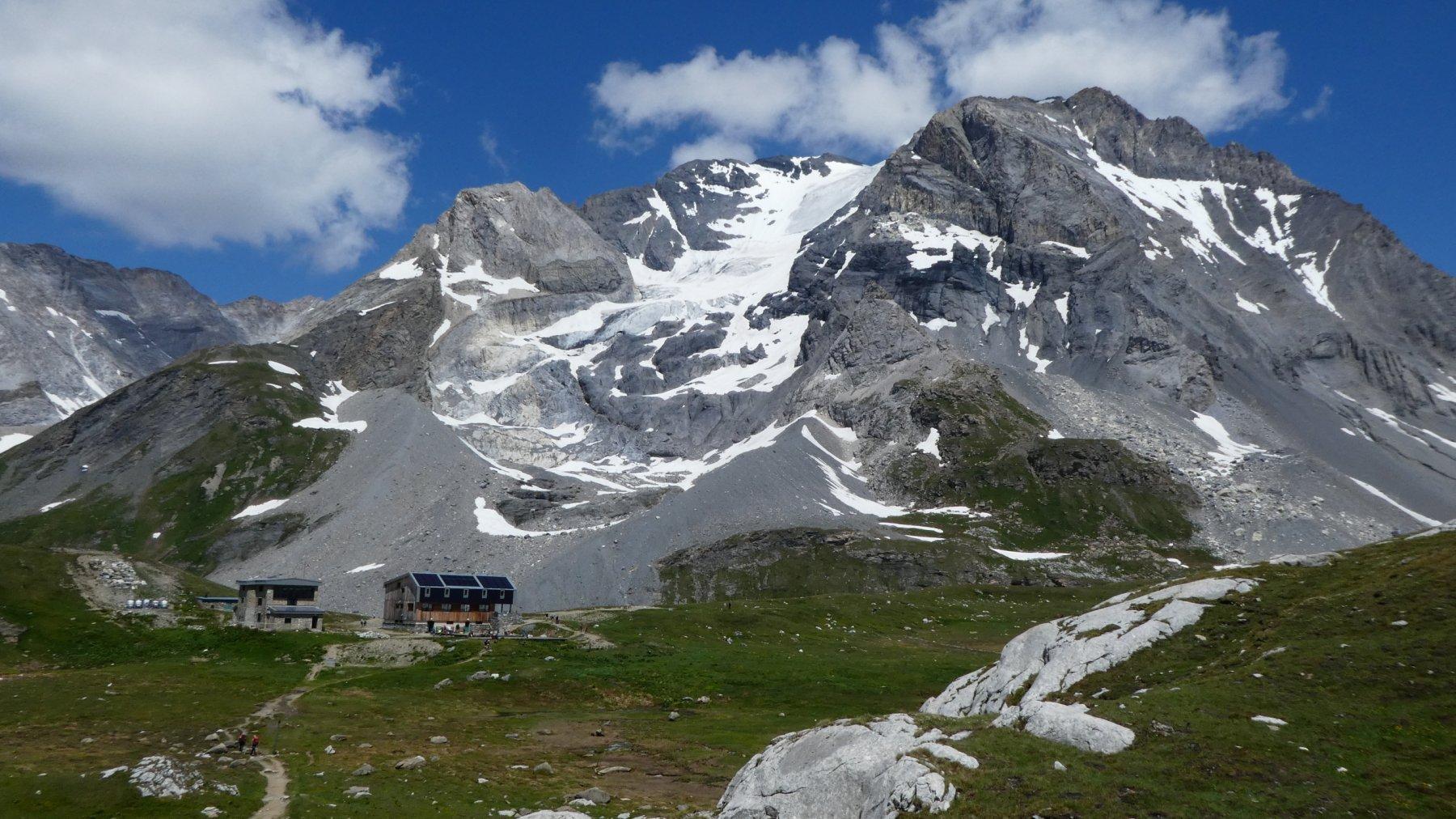 rientro al Refuge Col de la Vanoise con la Grande Casse come sfondo