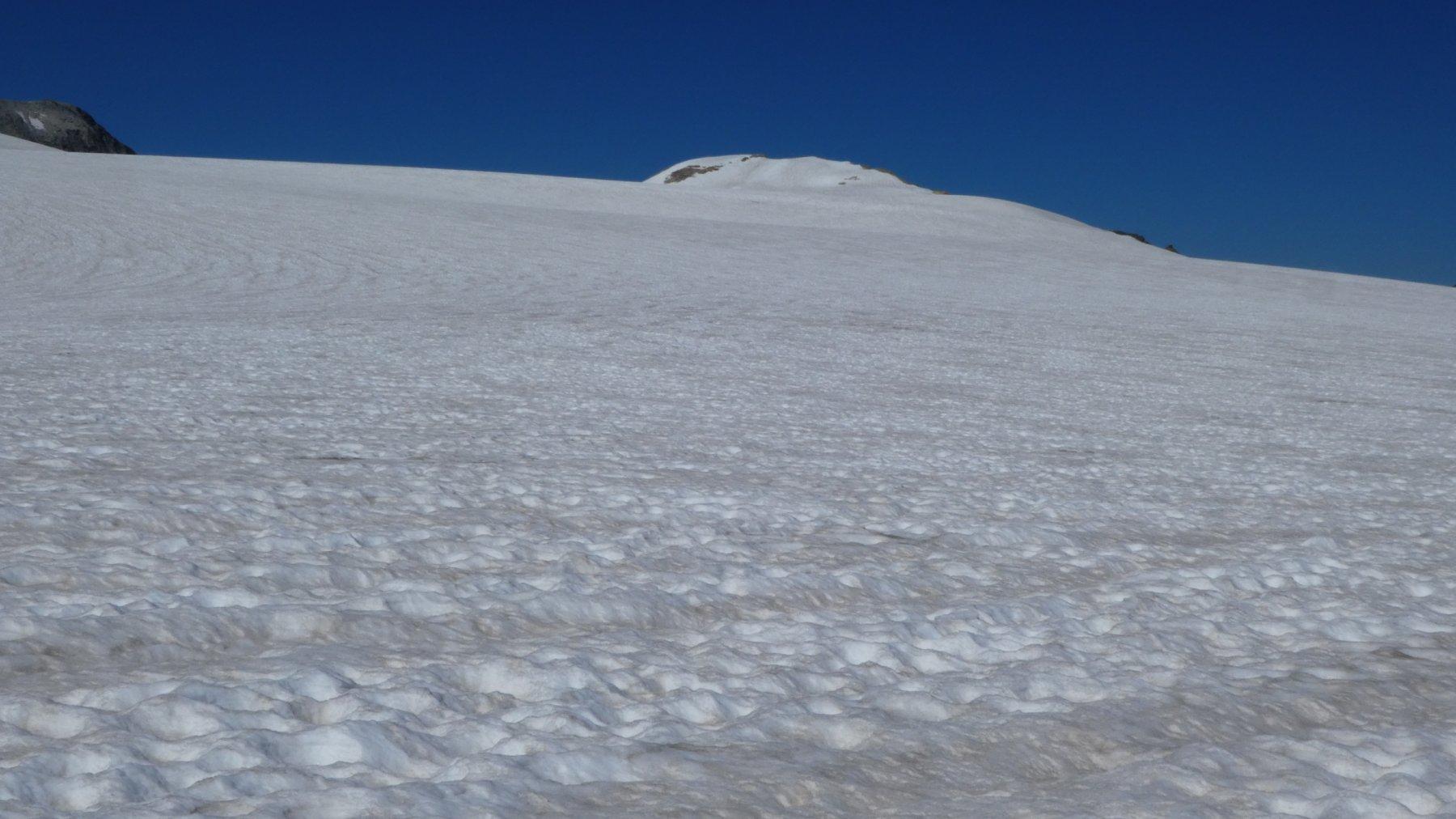 il vastissimo ghiacciaio da risalire (desert blanc)