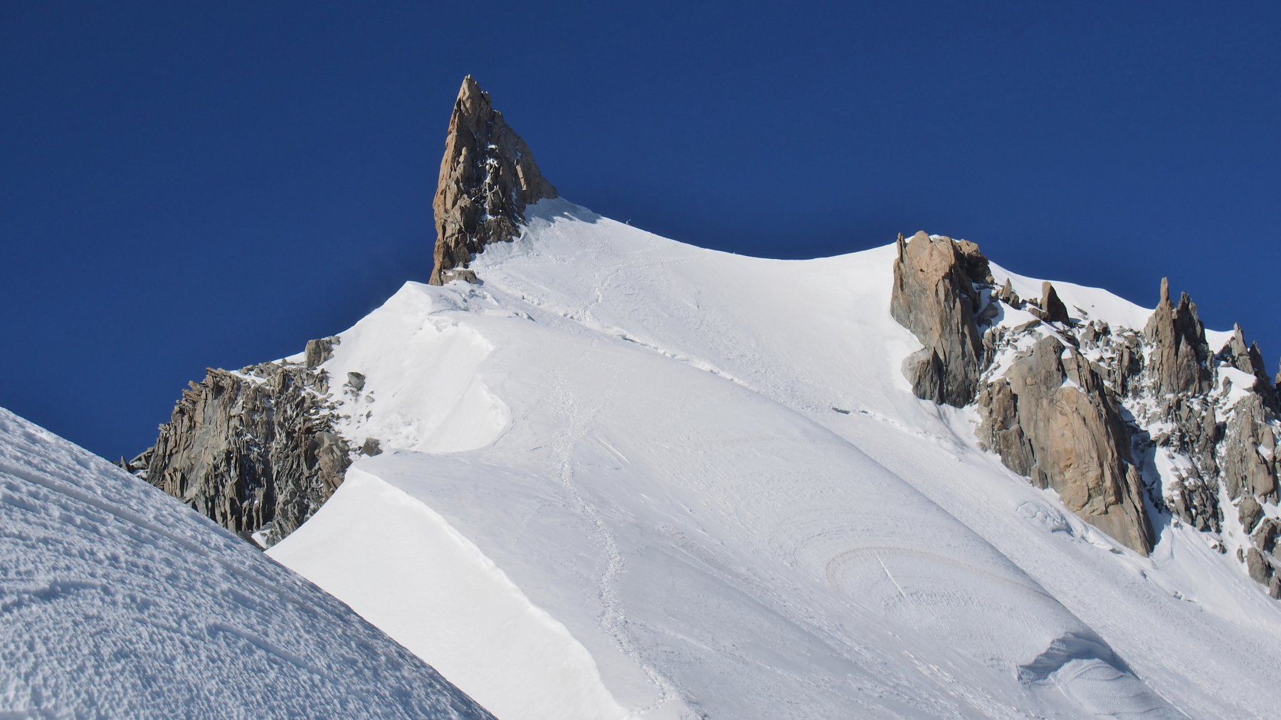 la cresta NE