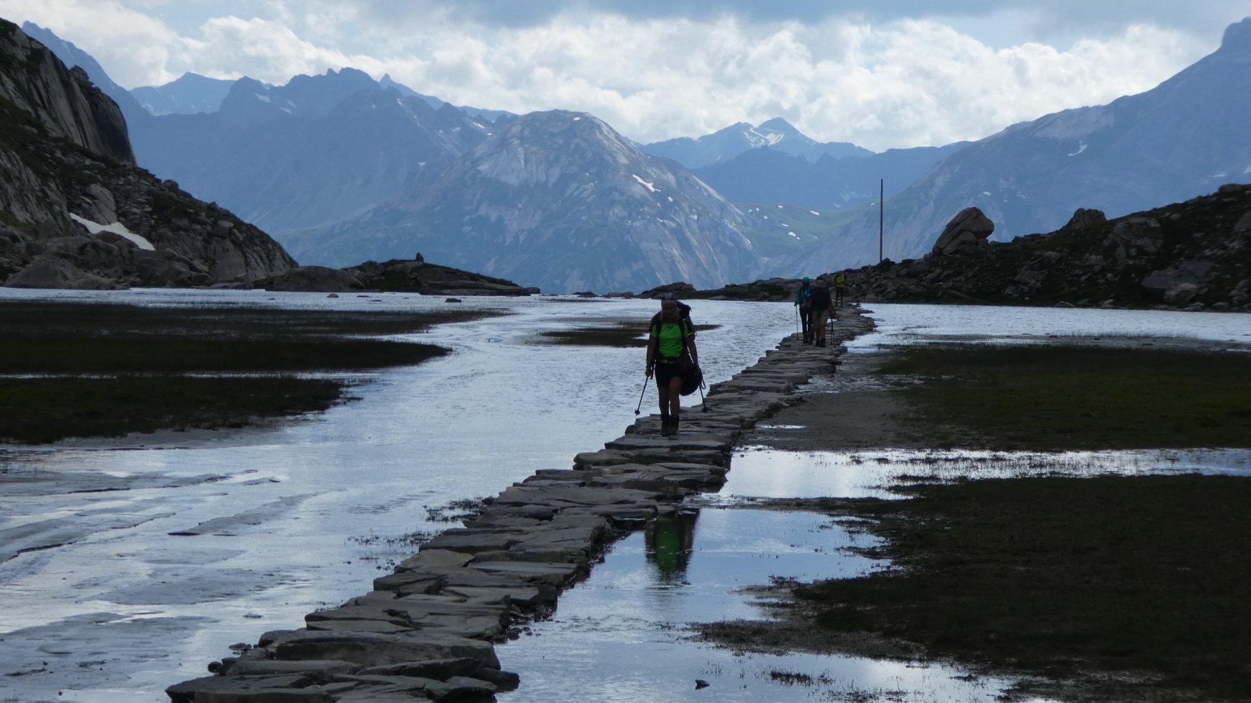 attraversando il Lac de Vaches