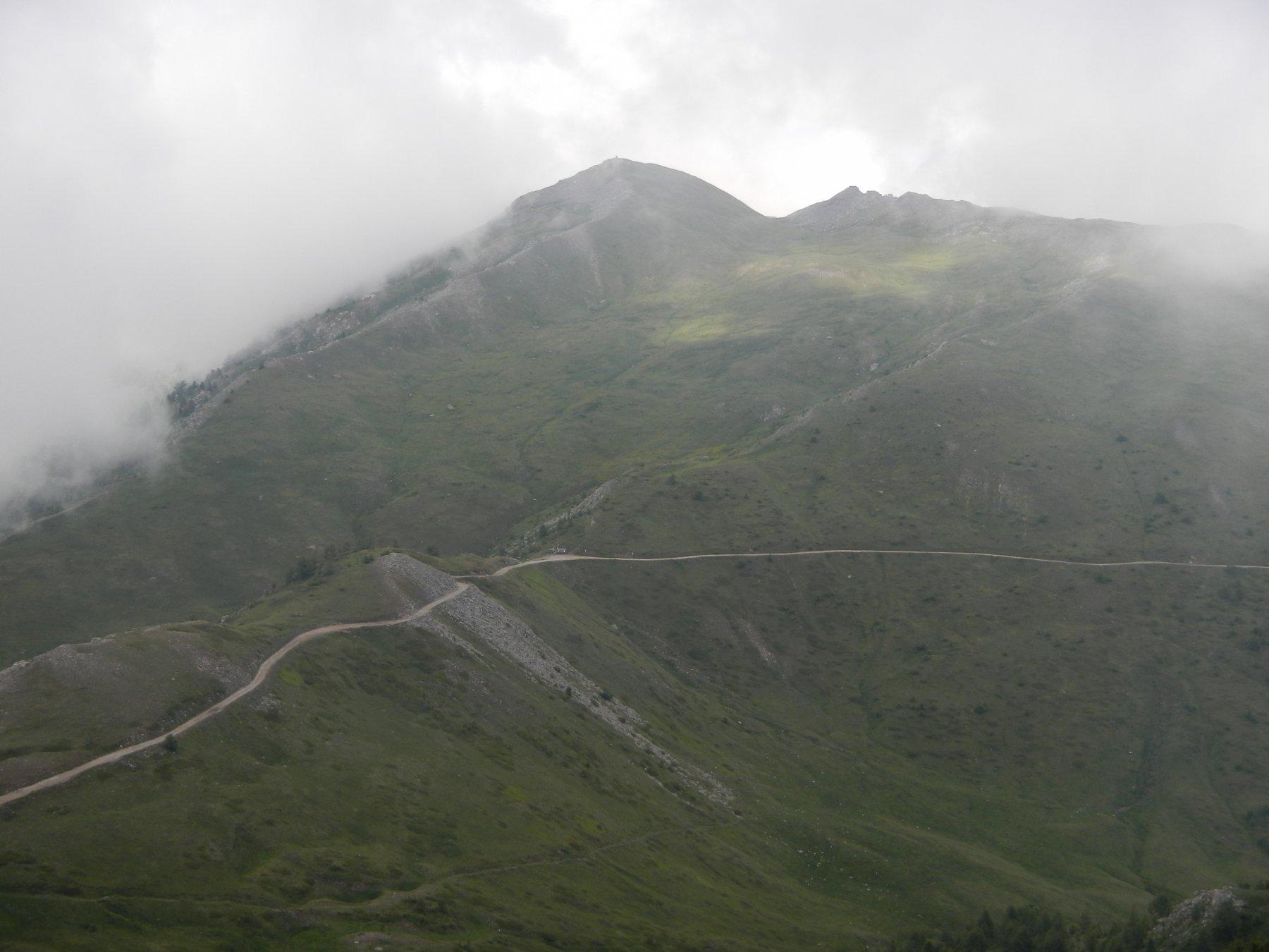il Colle e il Monte Blegier visti salendo al Monte Genevris