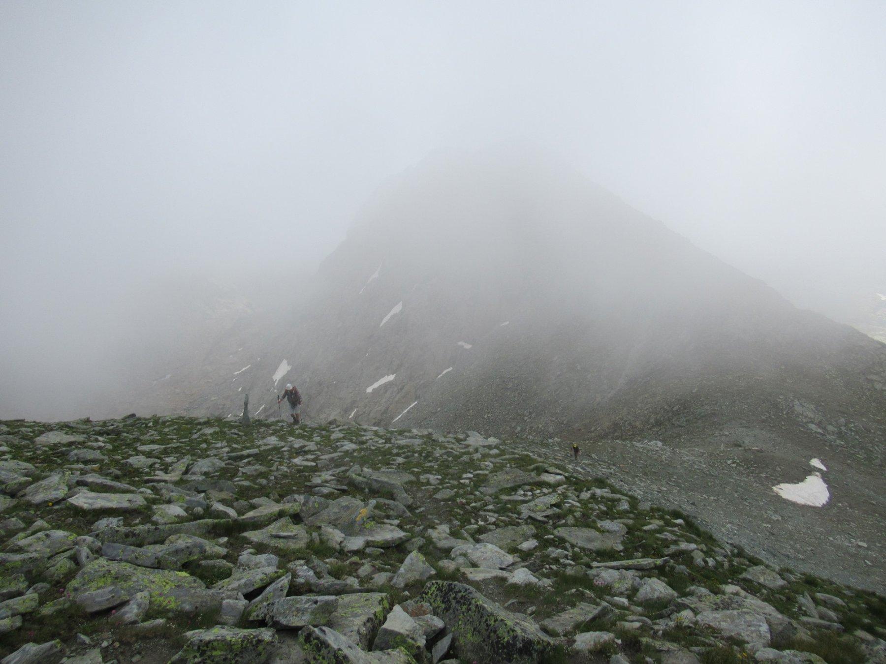 Prima della Pointe de Mezove tra la nebbia