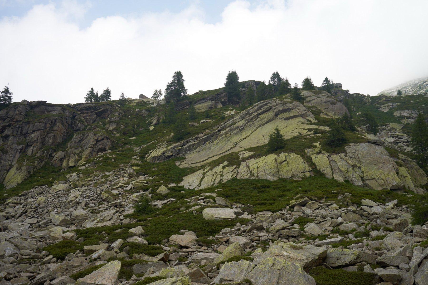 Rocce sopra il sentiero a quota 2090