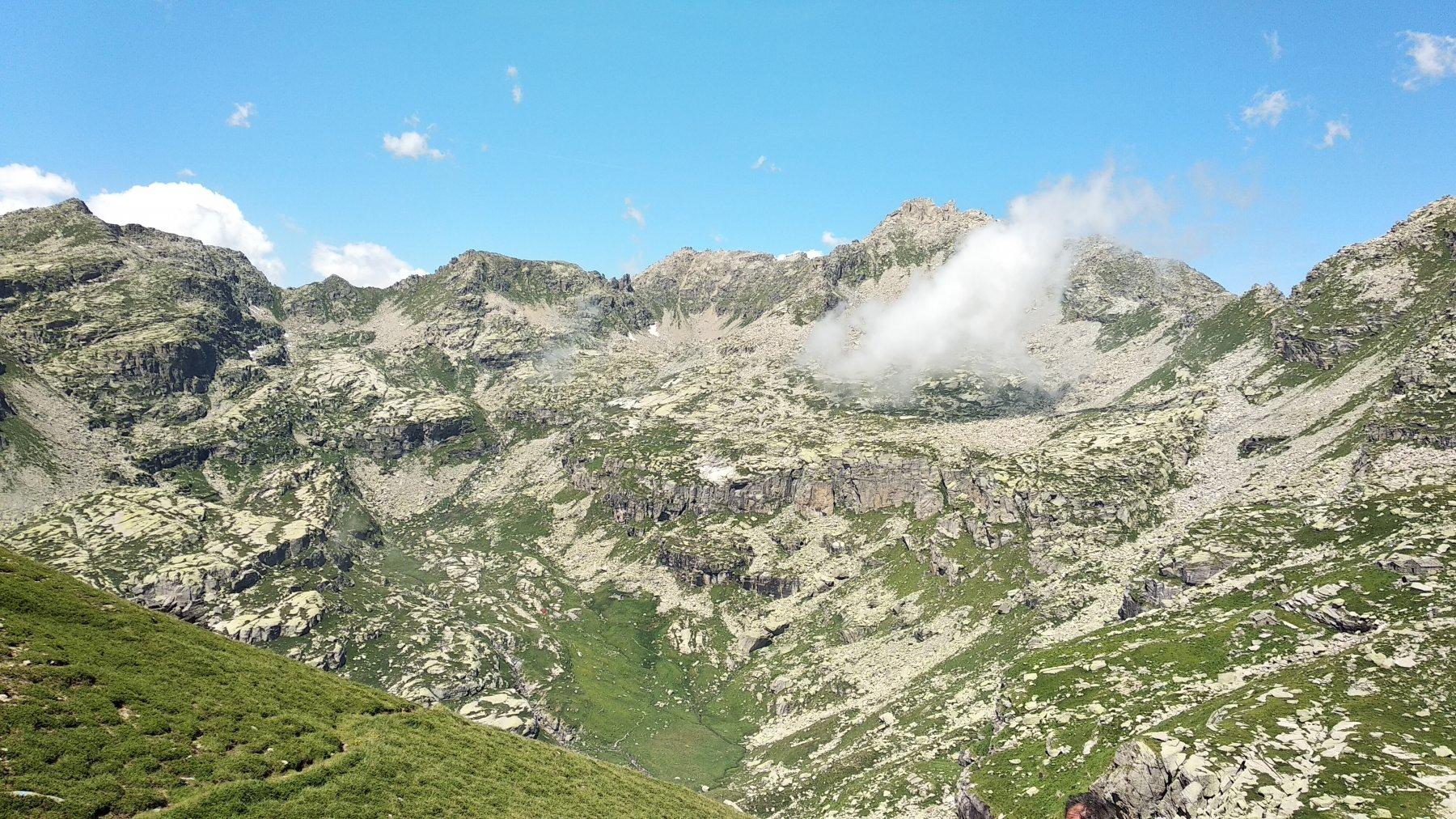 Discesa verso l'alpe Vailet (nel piano)