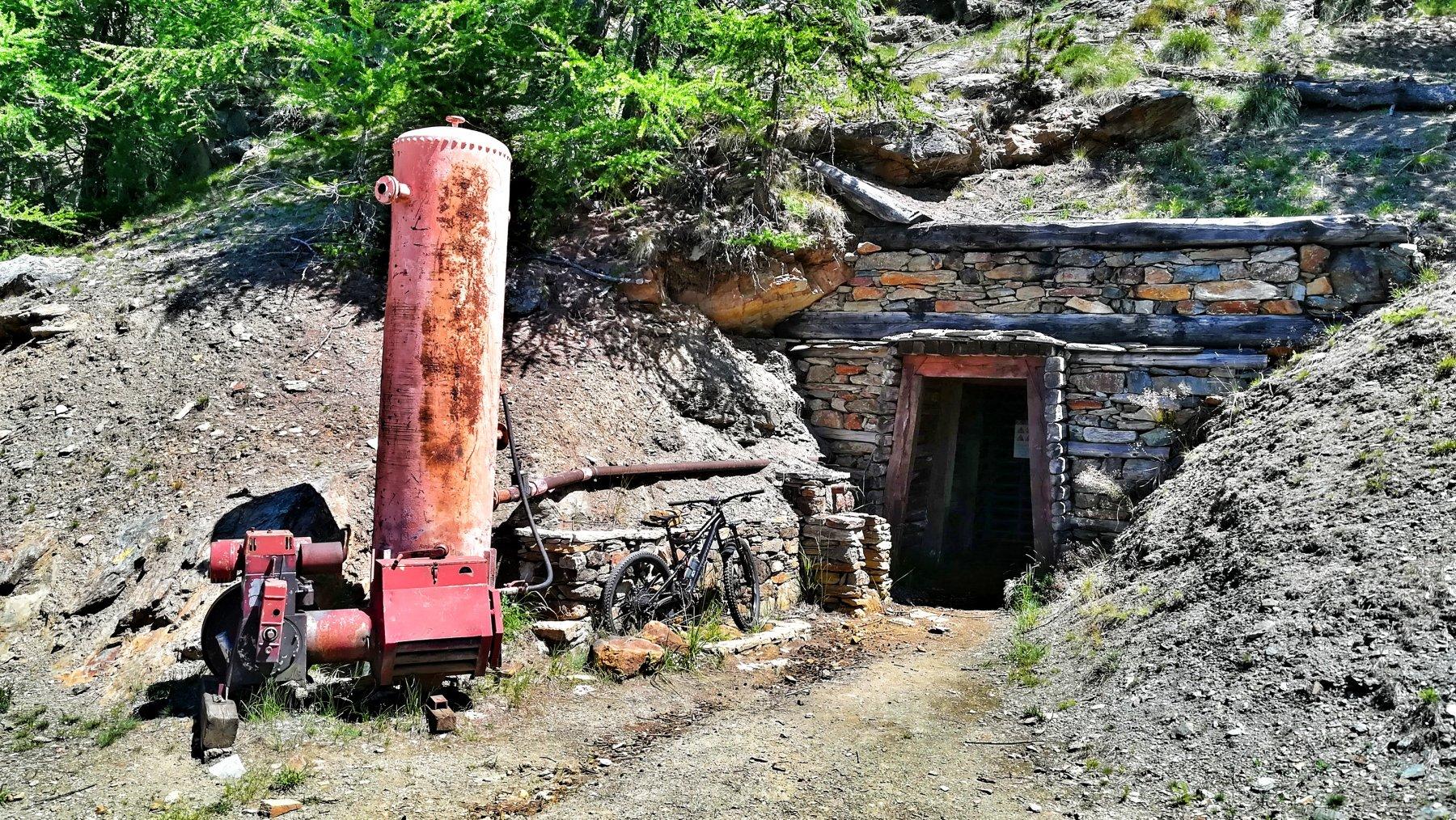 Particolare del sito minerario di Servette