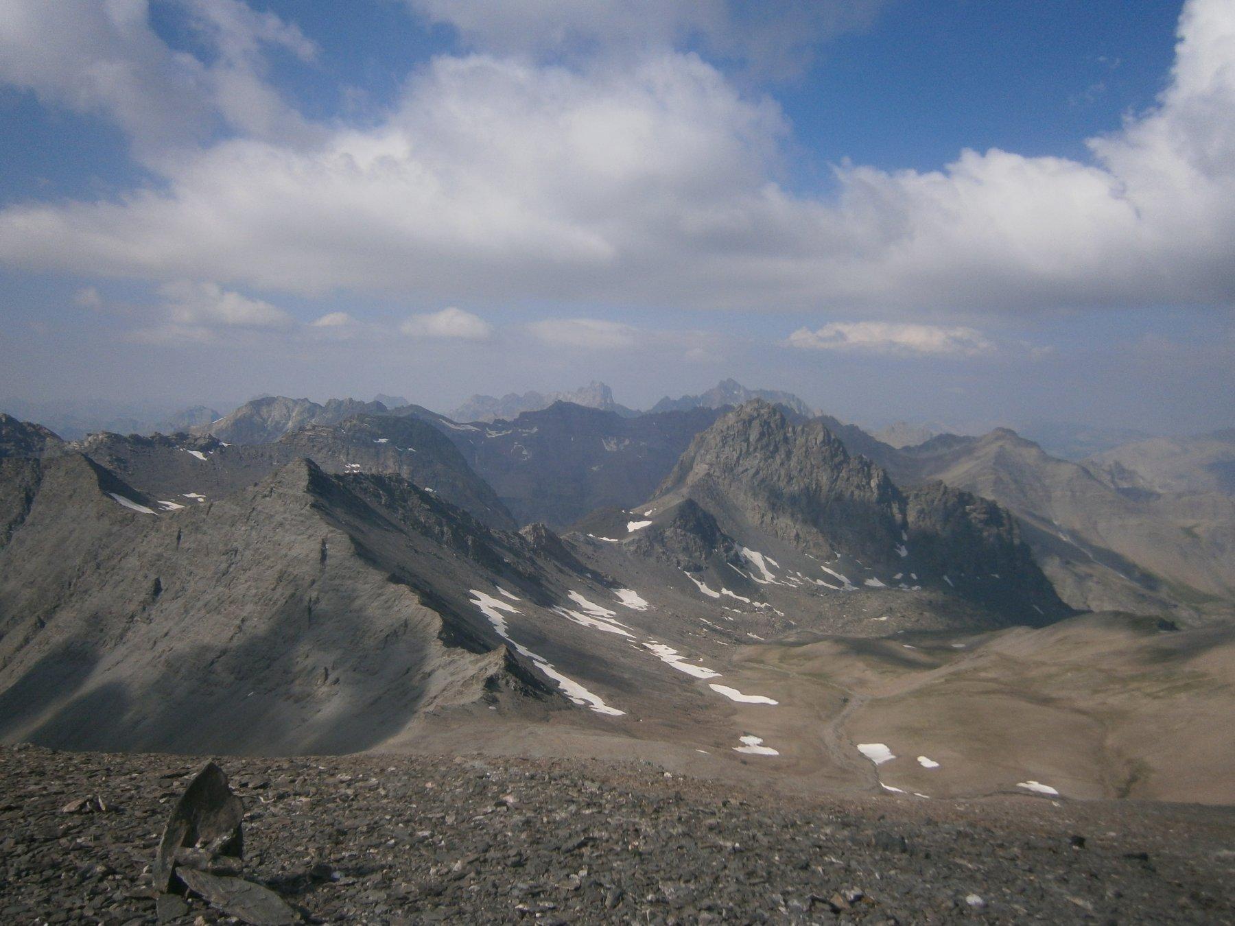 primo piano a destra il pic du Pelvat