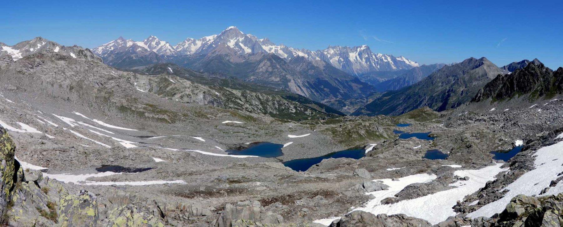 panorama verso il bianco e i laghi tachuy