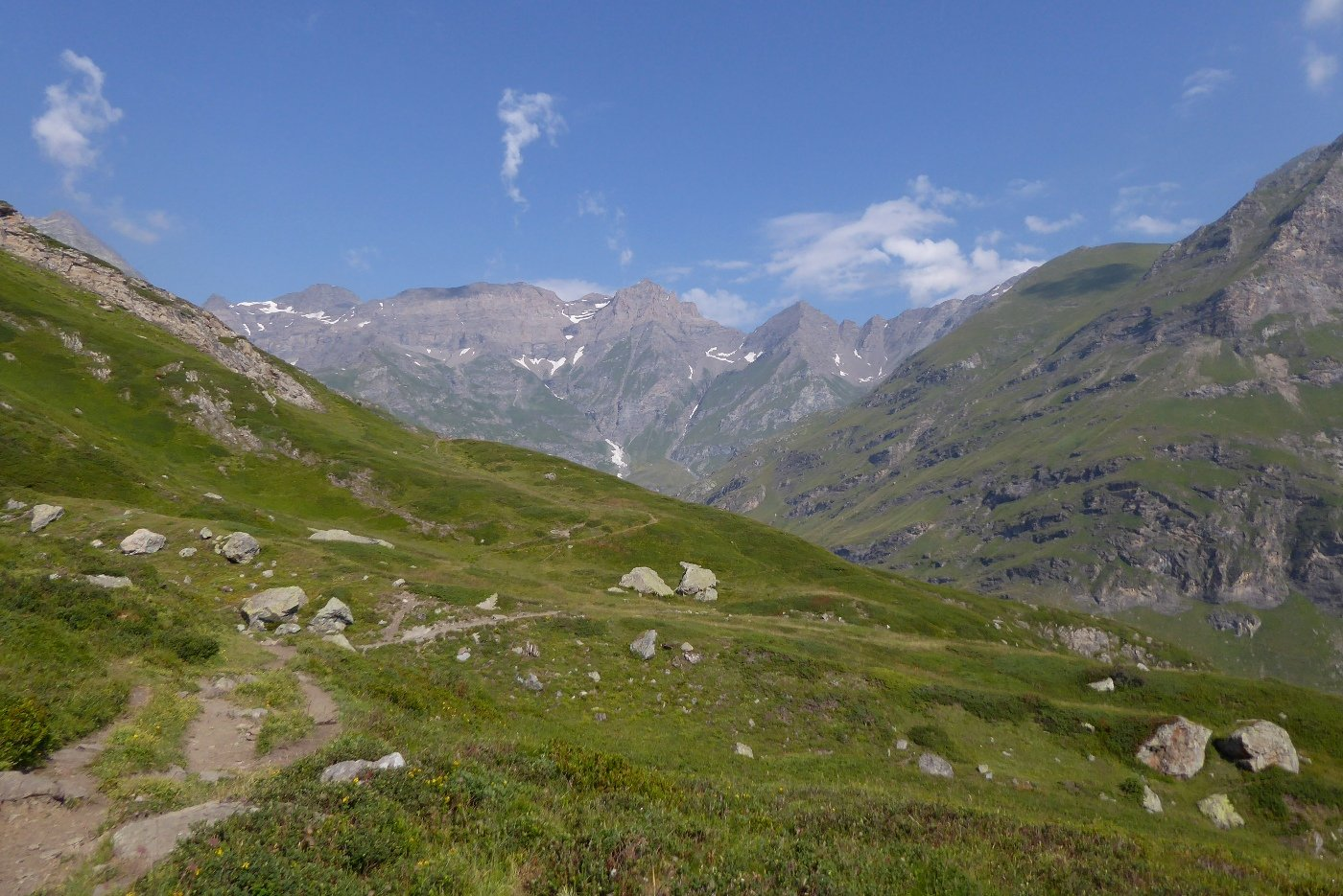 Panorama sull'alta valle, salendo al Lago nero