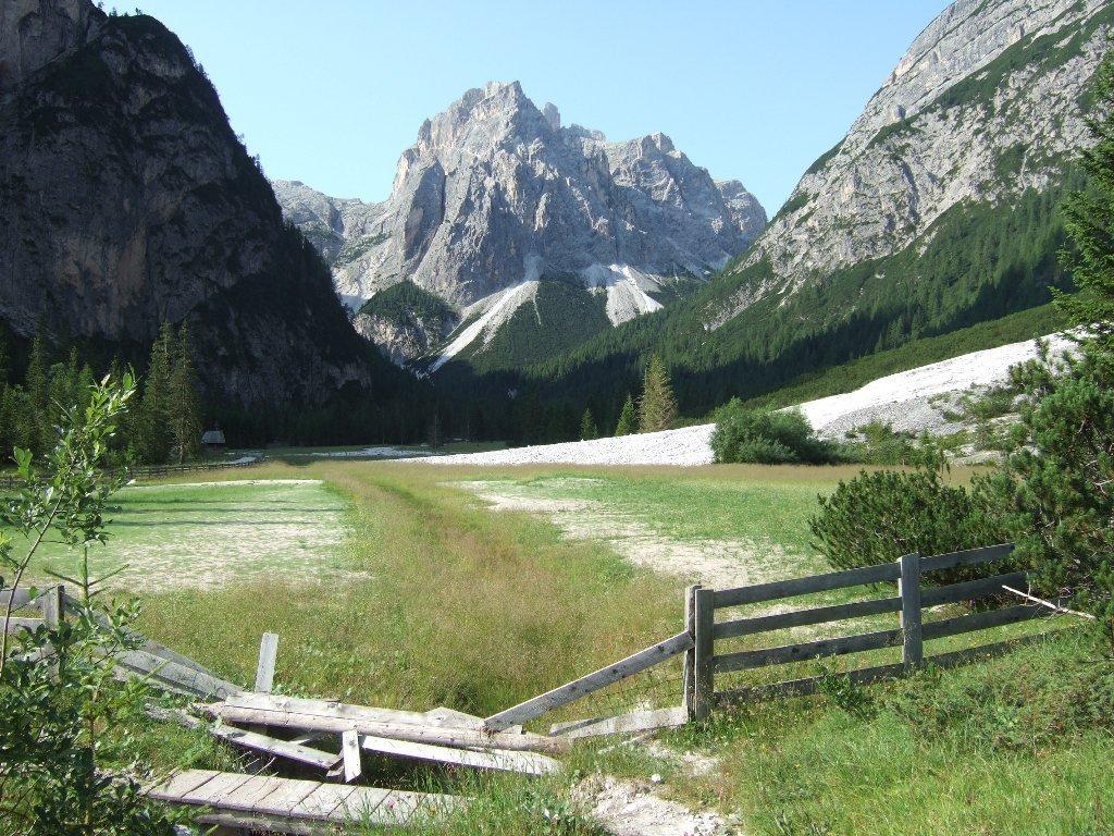 dai pressi del rifugio 3 Scarperi verso l'Alpe Mattina