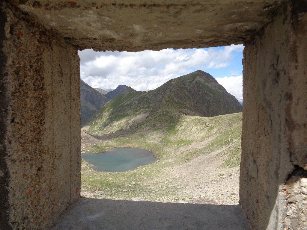 Lago di Seccia; Rocca e Guglia di San Bernolfo