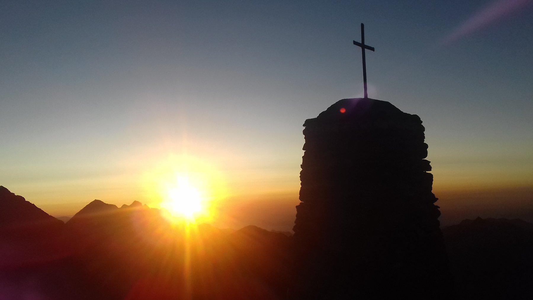 H 6.12 sorge il sole alla Crocetta