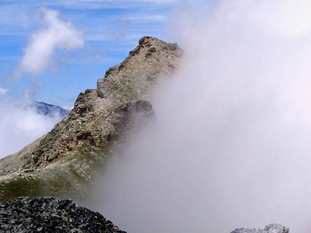 Pelvo d'Elva dal Monte Camoscere