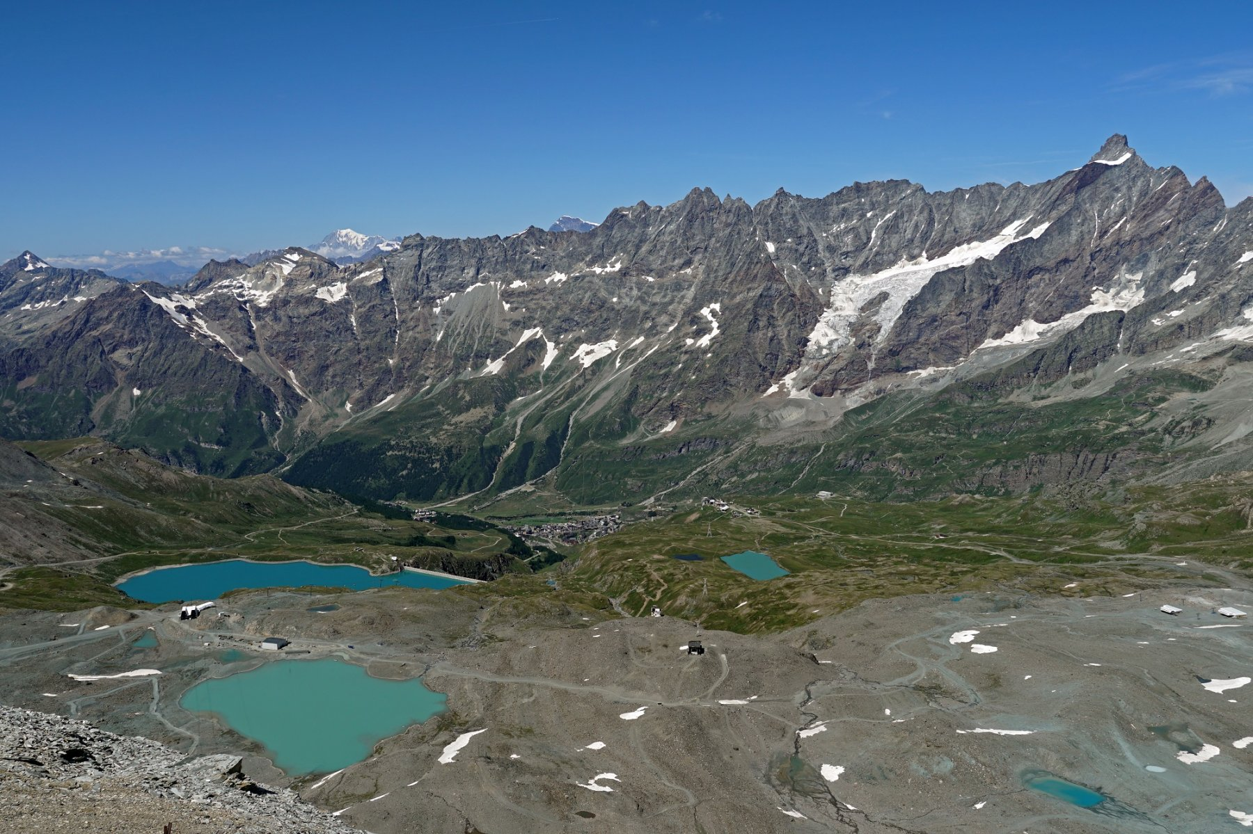 La valle di Cervinia dalla Testa Grigia