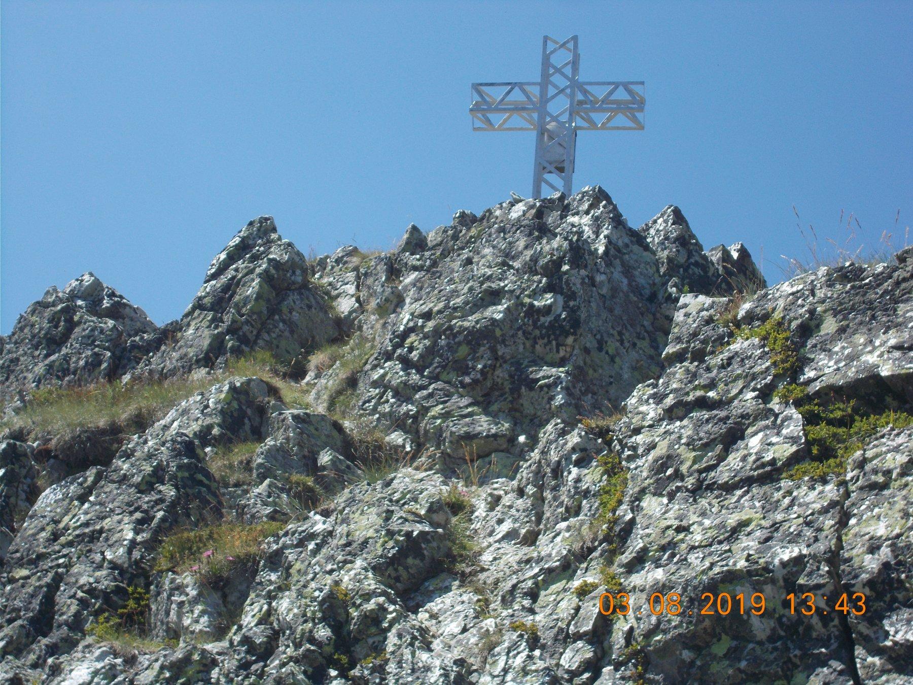 Ultimo tratto del castelletto e Croce di vetta