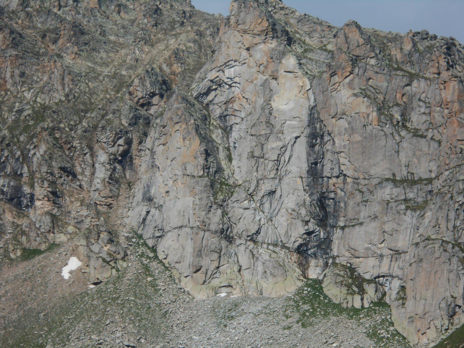 La parete vista dall'alpe Broglia