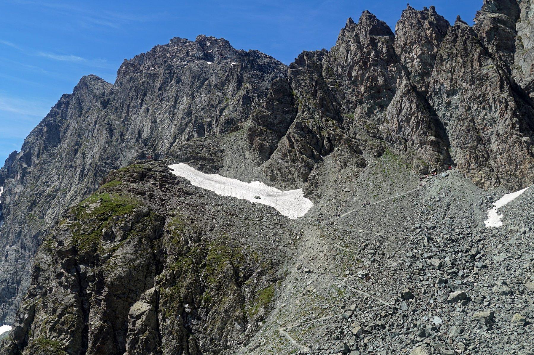 La parte finale del sentiero al Buco di Viso, visto salendo al Meidassa