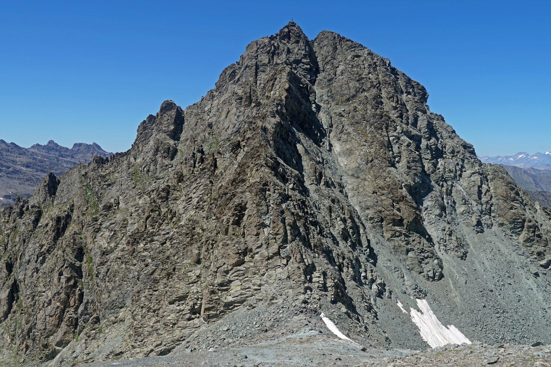 Il massiccio Monte Granero, visto dalla cima