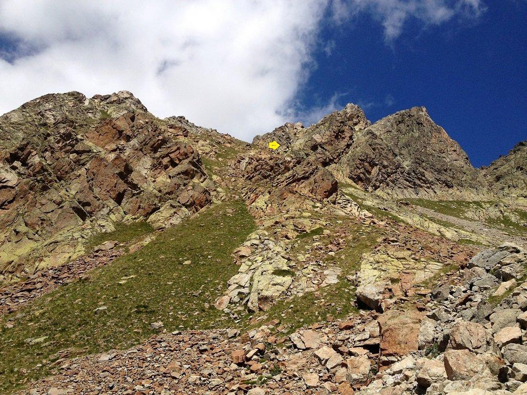 Ecco cone appare il versante sud di Pan Perdù in cima all'anfiteatro e dove inizia il canalino.