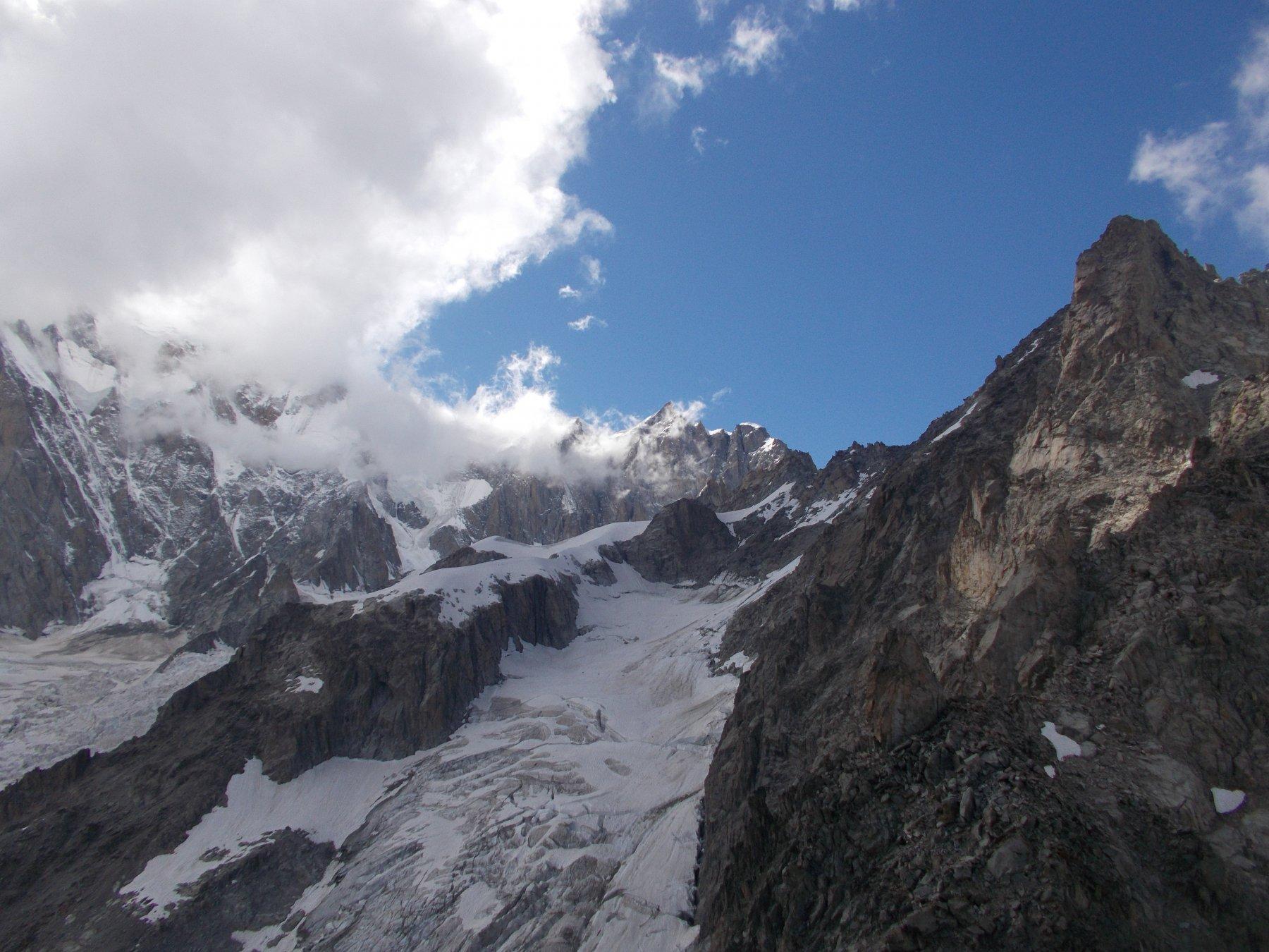 l'alto bacino glaciale della Brenva..