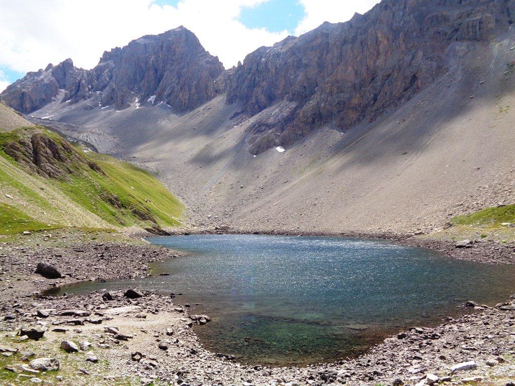 Lago Apsoi e Monte Oronaye