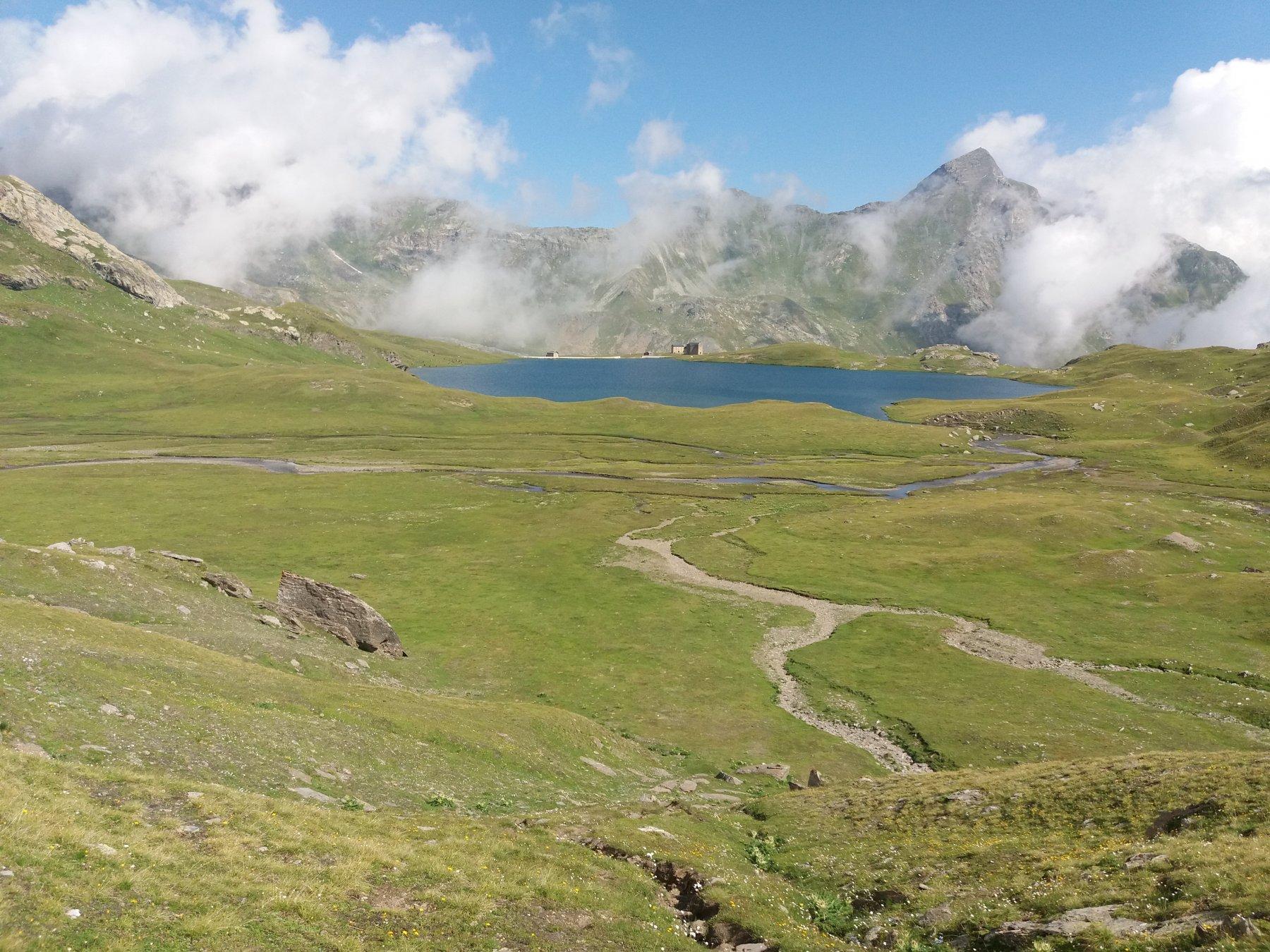 Vista sul lago Miserin
