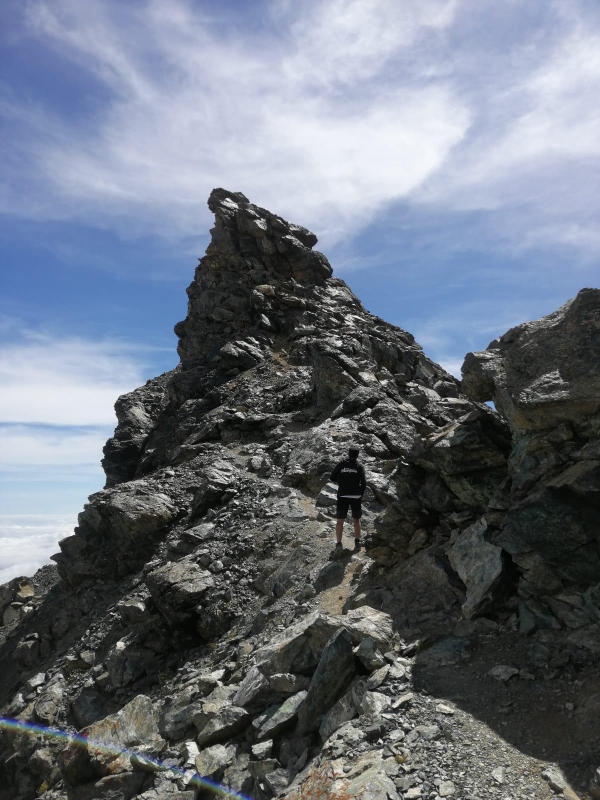 Tratti di camminata sulla cresta delle Fourion