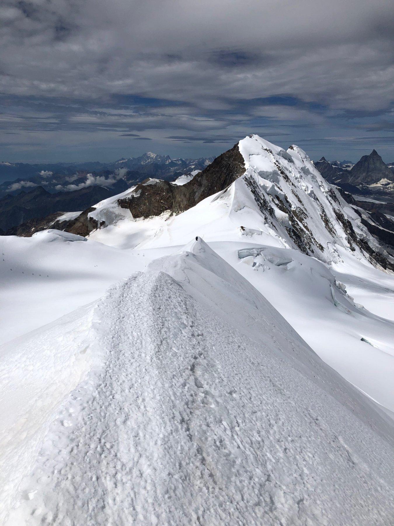Cresta dalla cima verso sud-ovest percorsa in discesa