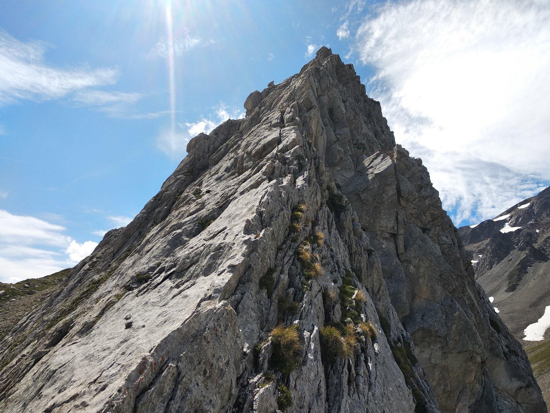 porzione di cresta delle Pyamides