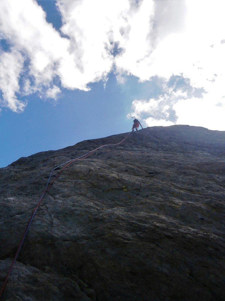 Verso la croce della cima