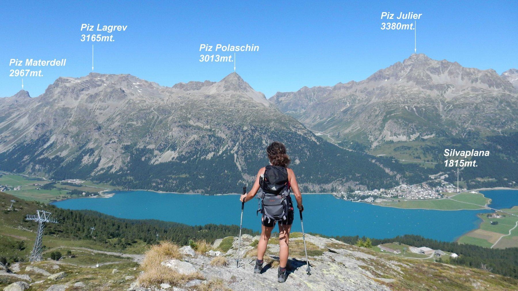 Salendo verso la Fuorcla Surlej panorama grandioso sull'Alta Engadina.