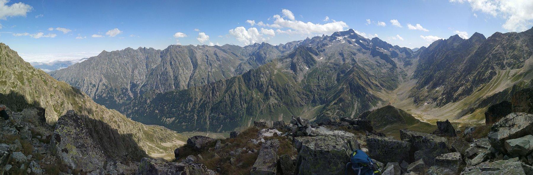 Panoramica dalla cima verso il Gelas