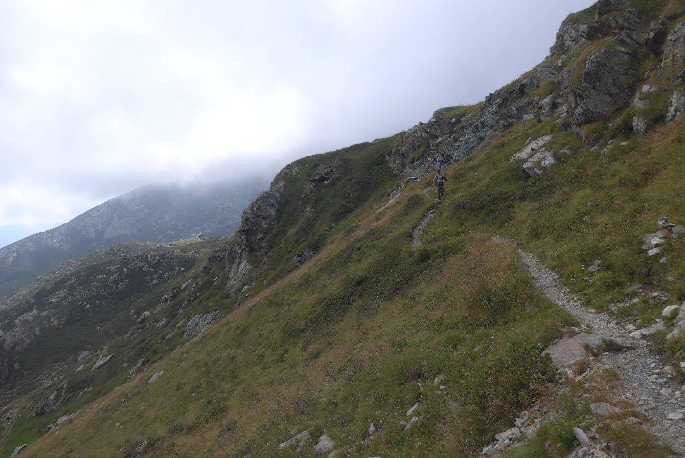 Sul sentiero verso il lago di Viana