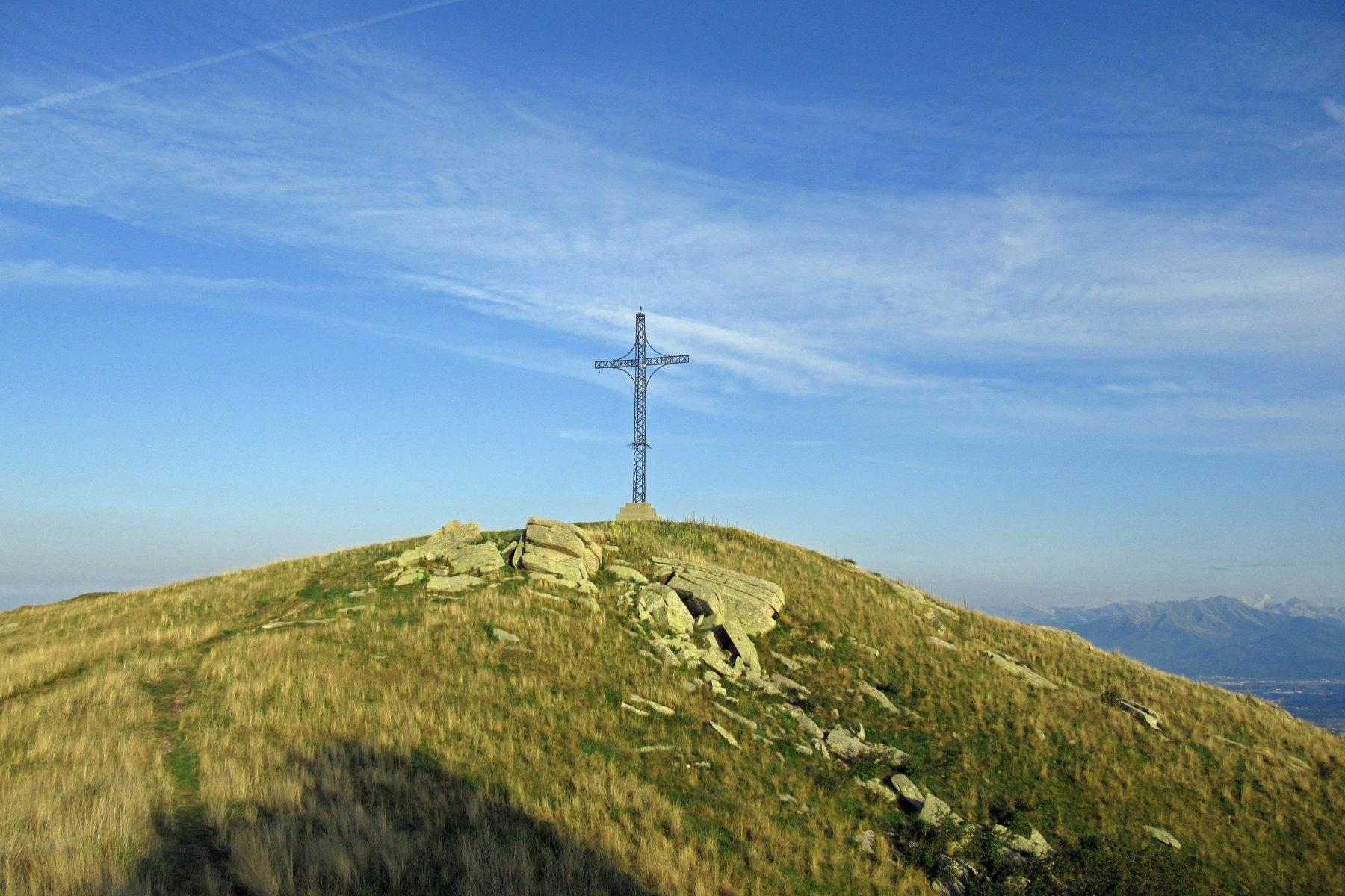 L' enorme croce di vetta del S.Bernardo