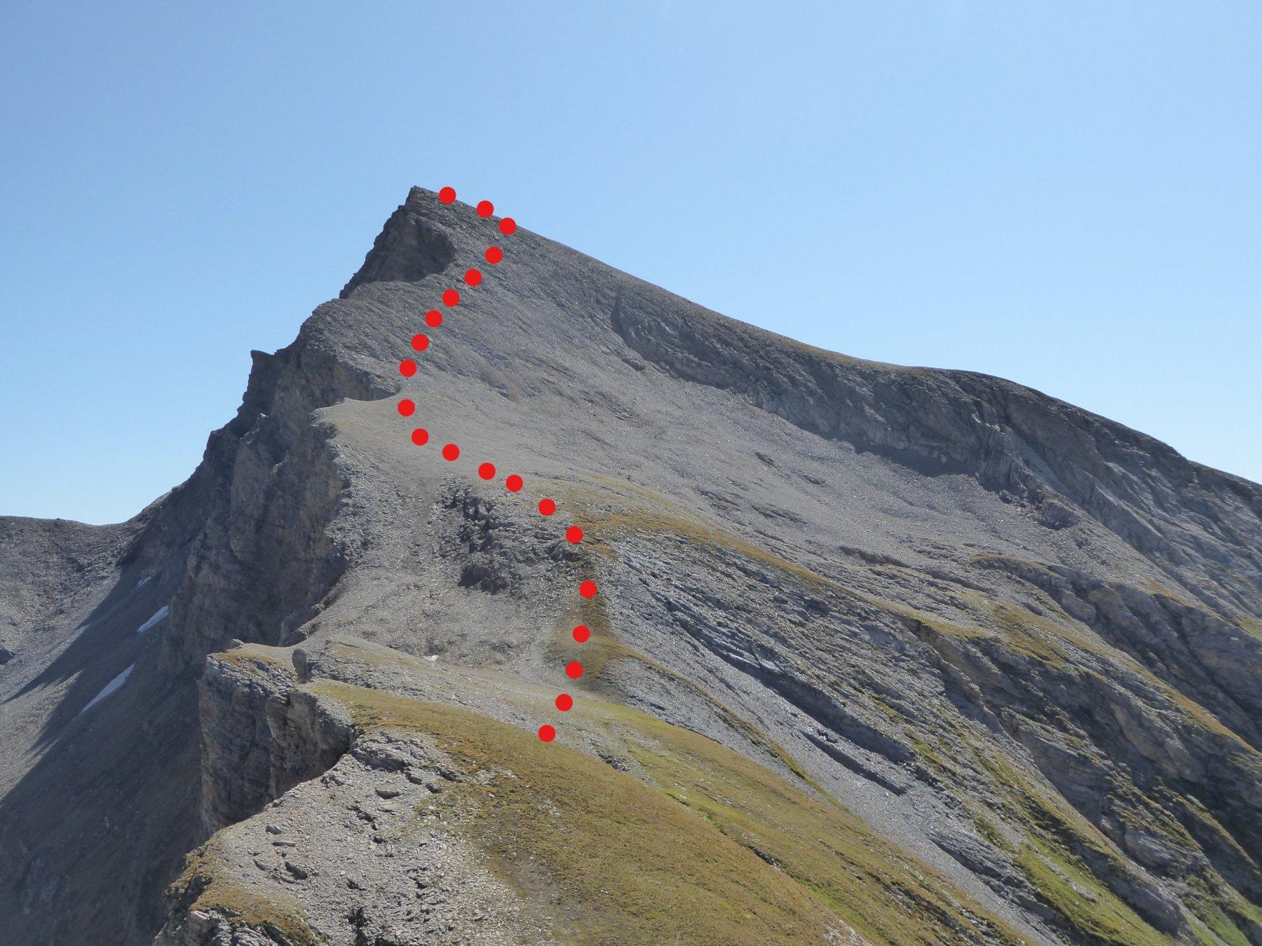 dal colletto 2850 sguardo verso gli ultimi 200 metri per la cima
