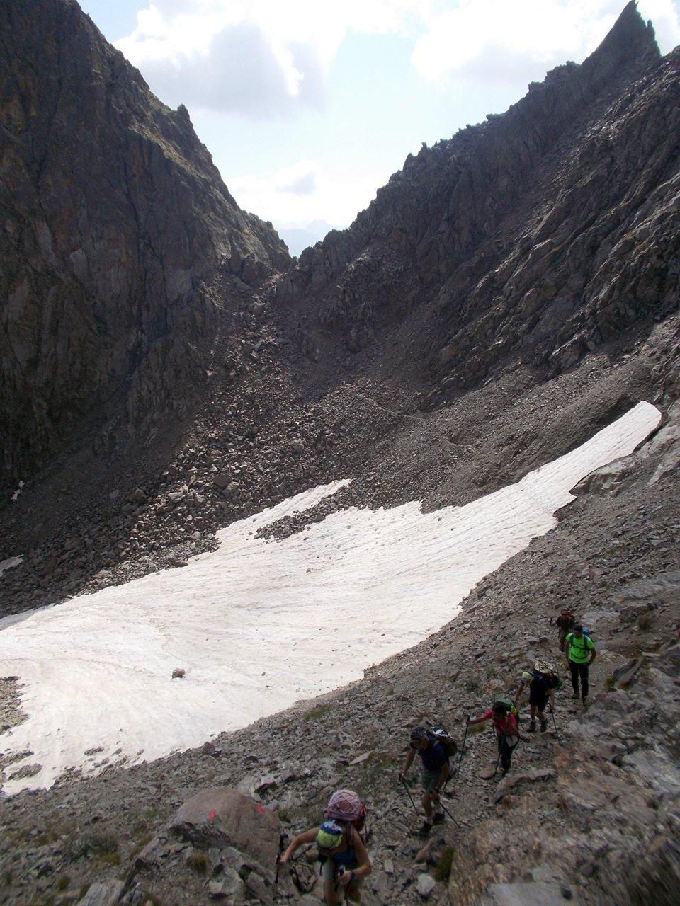 il nevaio sotto il Passo di Laris