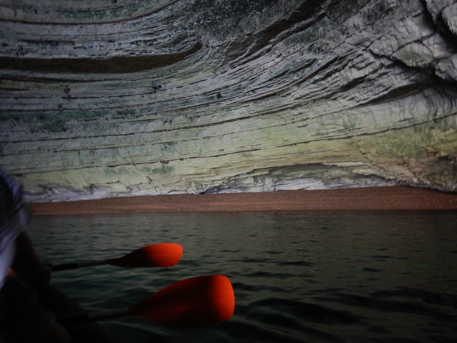 All'interno di una grotta