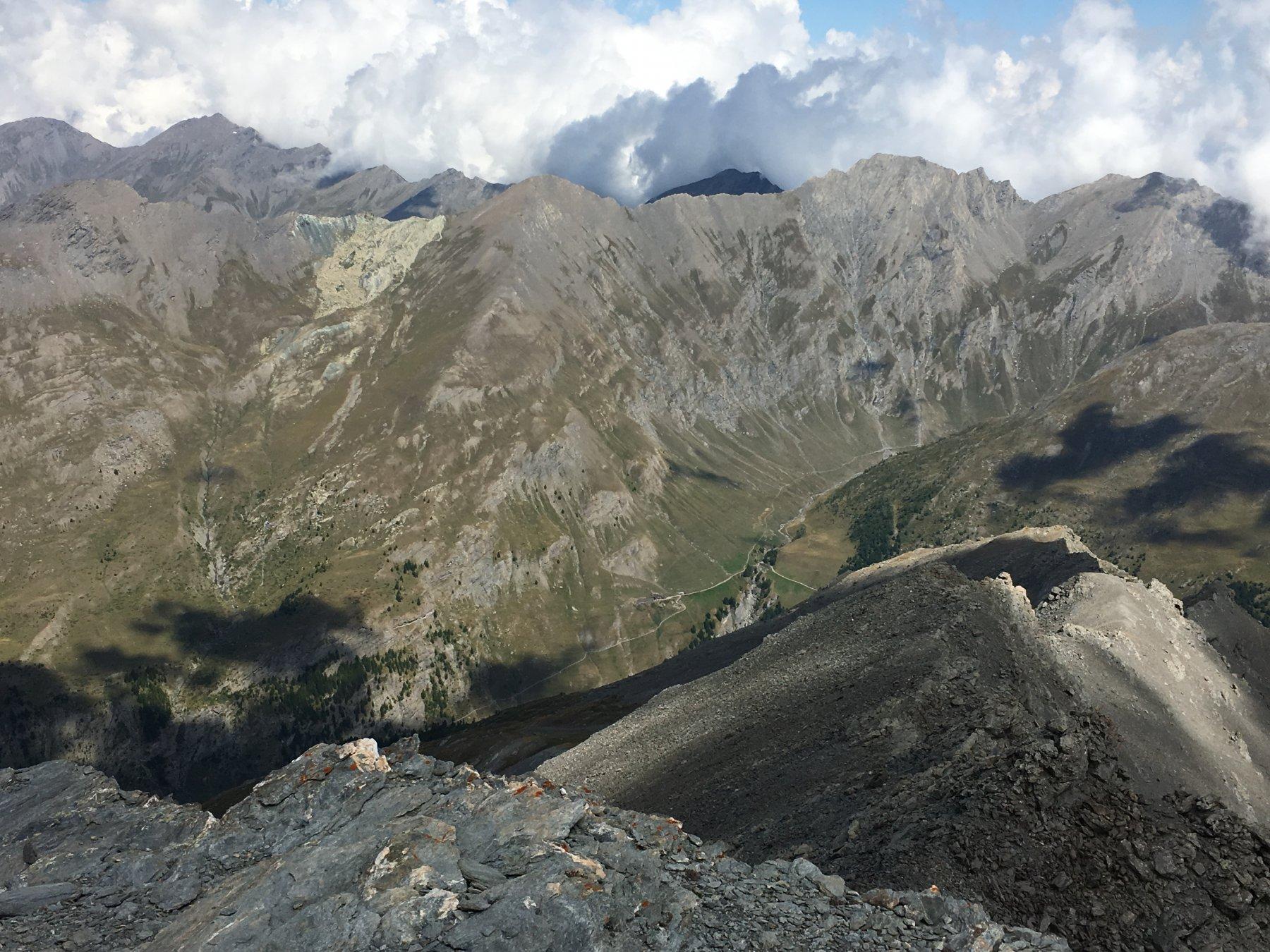 Valle Lunga con Appenna e Barifreddo dalla cima