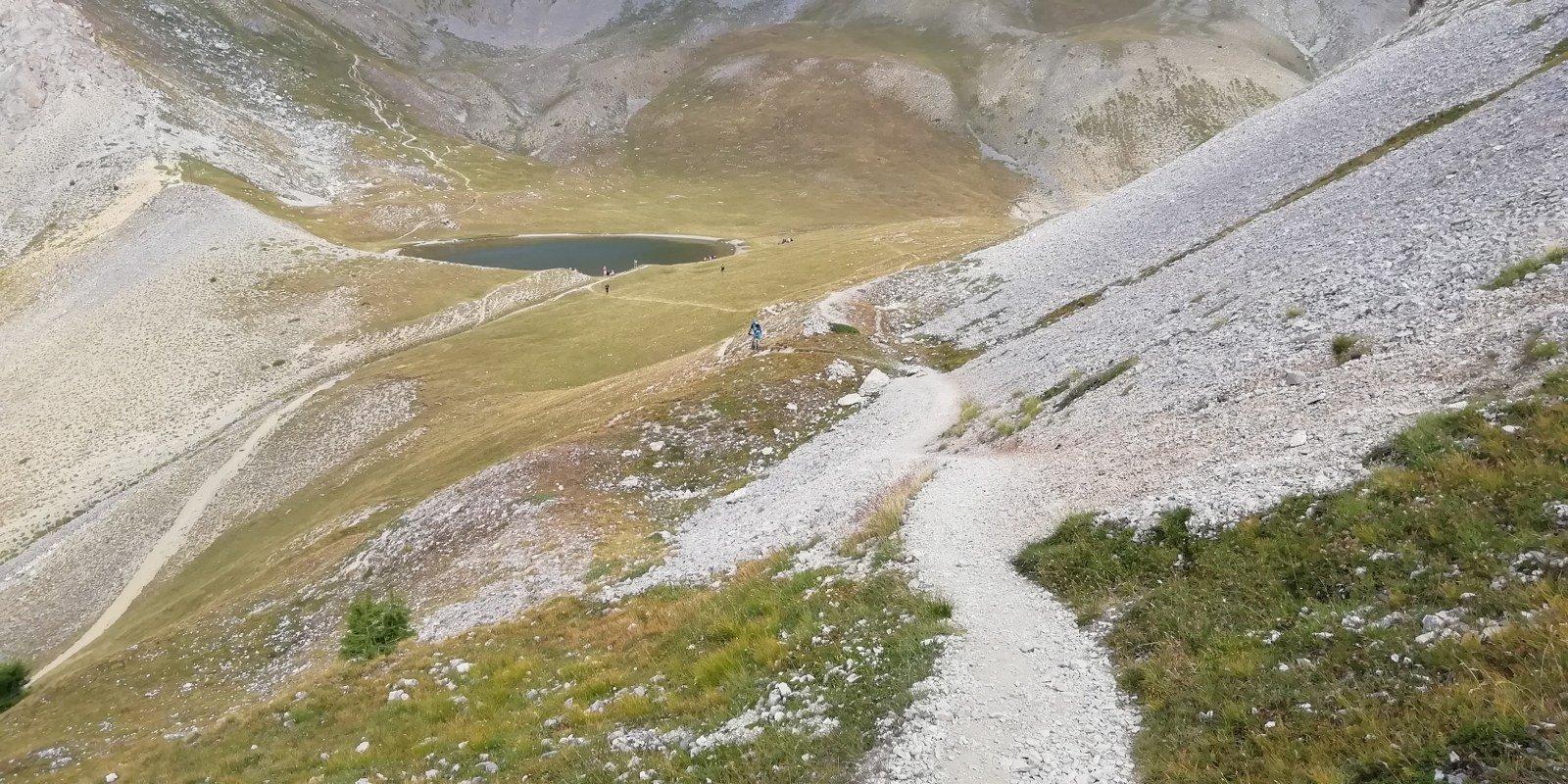 Discesa verso il lago