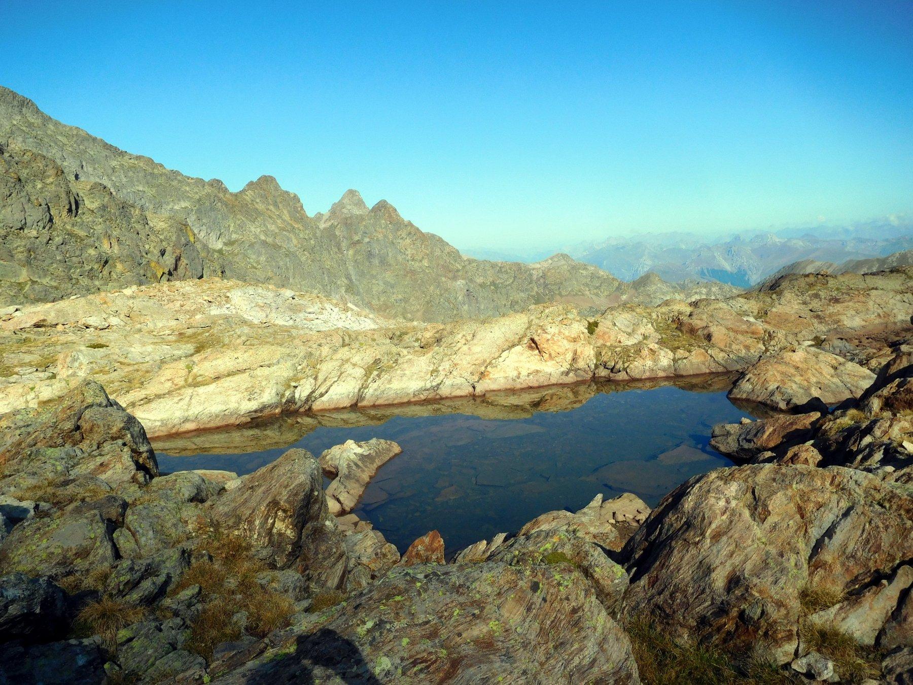 minuscoli laghetti sopra il passo Cabrera