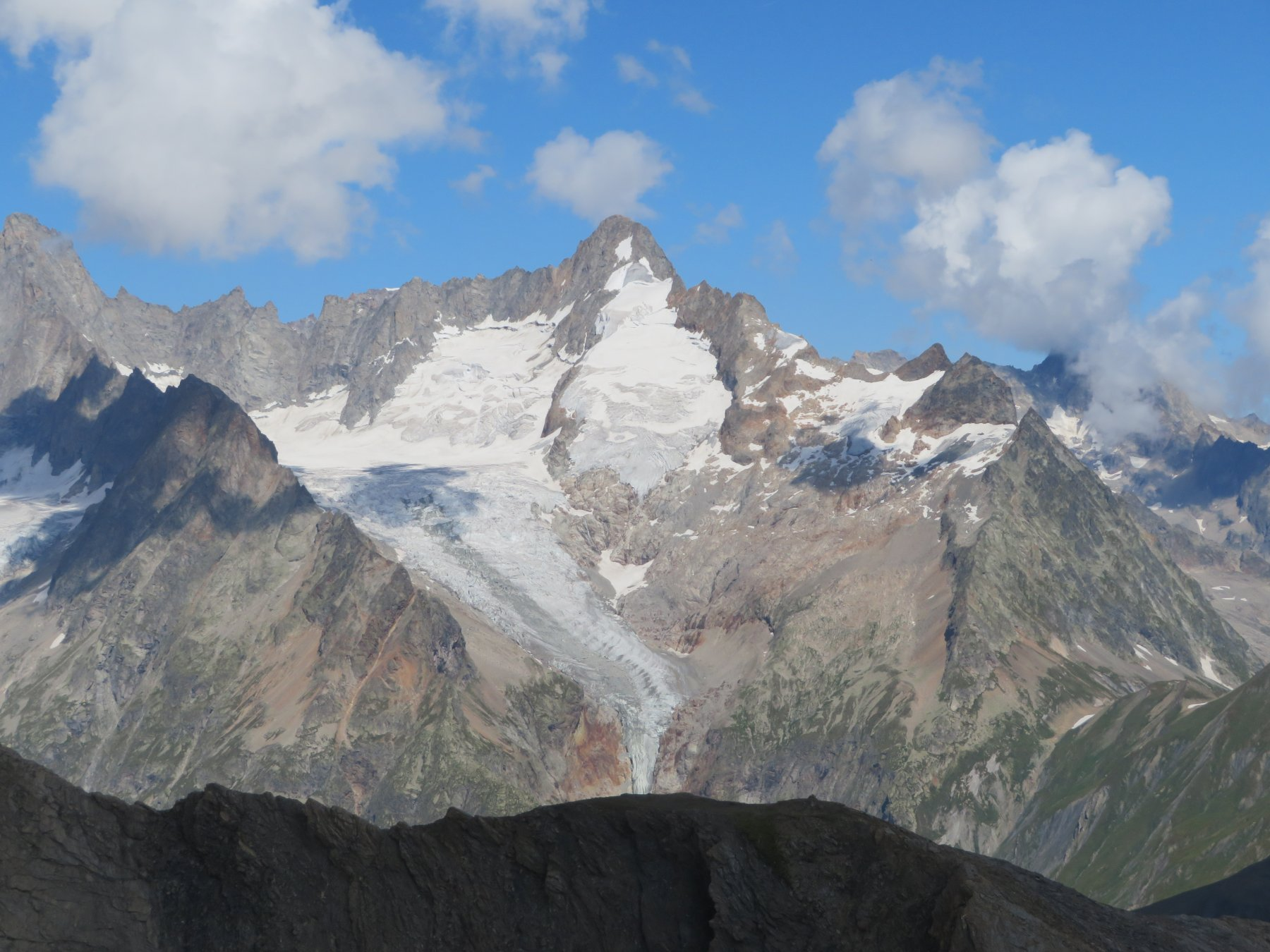 il Mont Dolent, con ghiacciaio ultraridotto