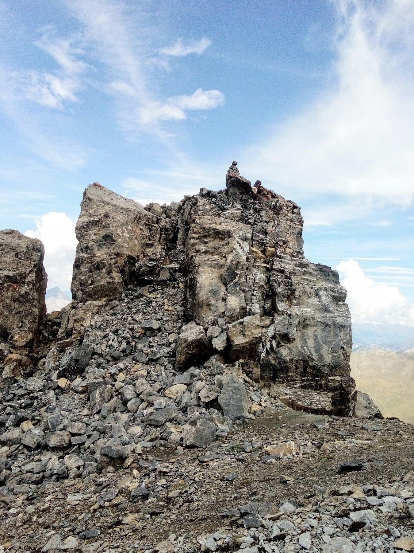 Il castello sommitale della Turge de la Suffie
