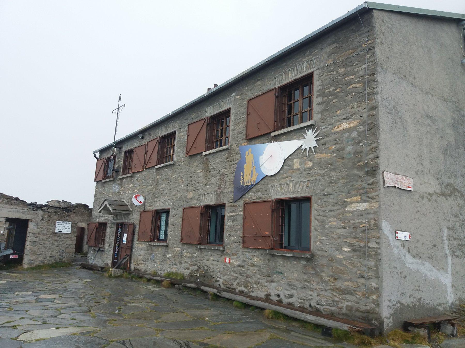 Il rifugio Ca' d'Asti sotto la pioggia