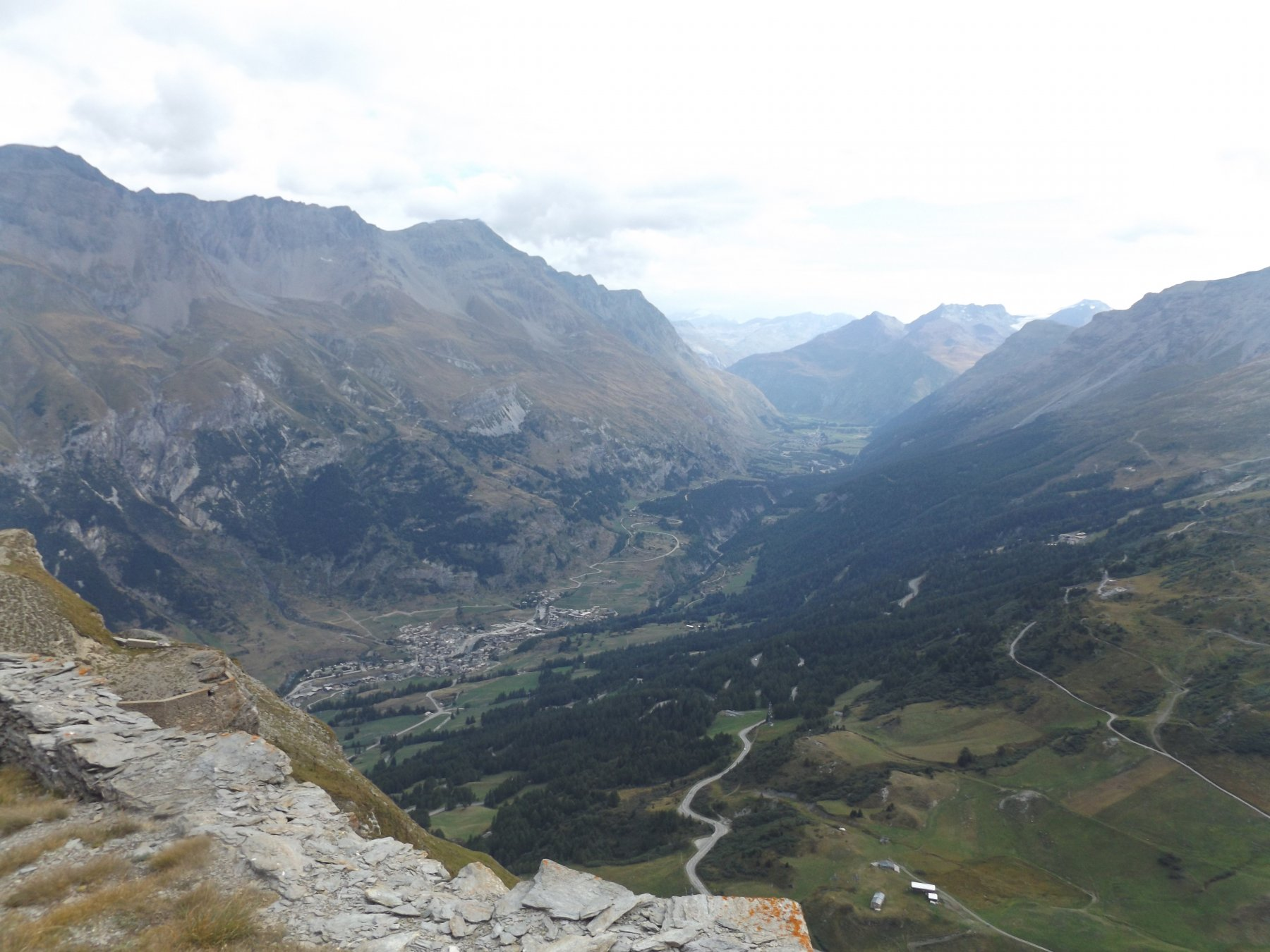 Panorama verso Laslenbourg e Bonneval Sur Arc