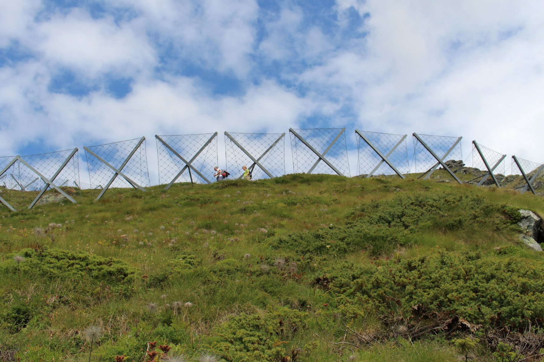 barriere antivalanghe, sotto l'anticima